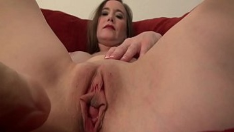 American milf Lilly James dildo fucks pussy and ass
